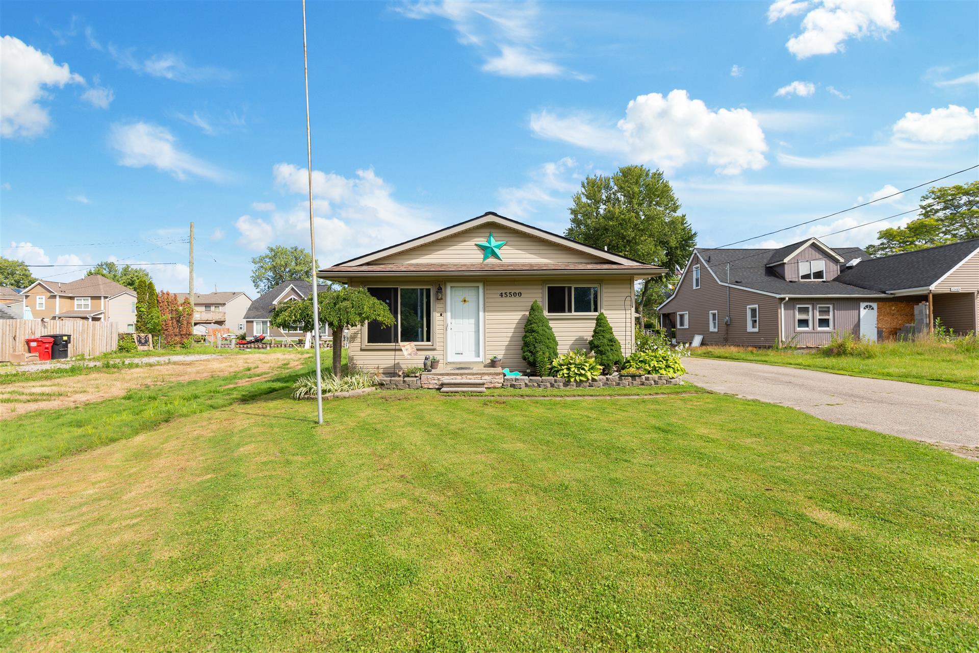 Sale Pending! – 25179 Rosenbusch Blvd. Warren, 48089