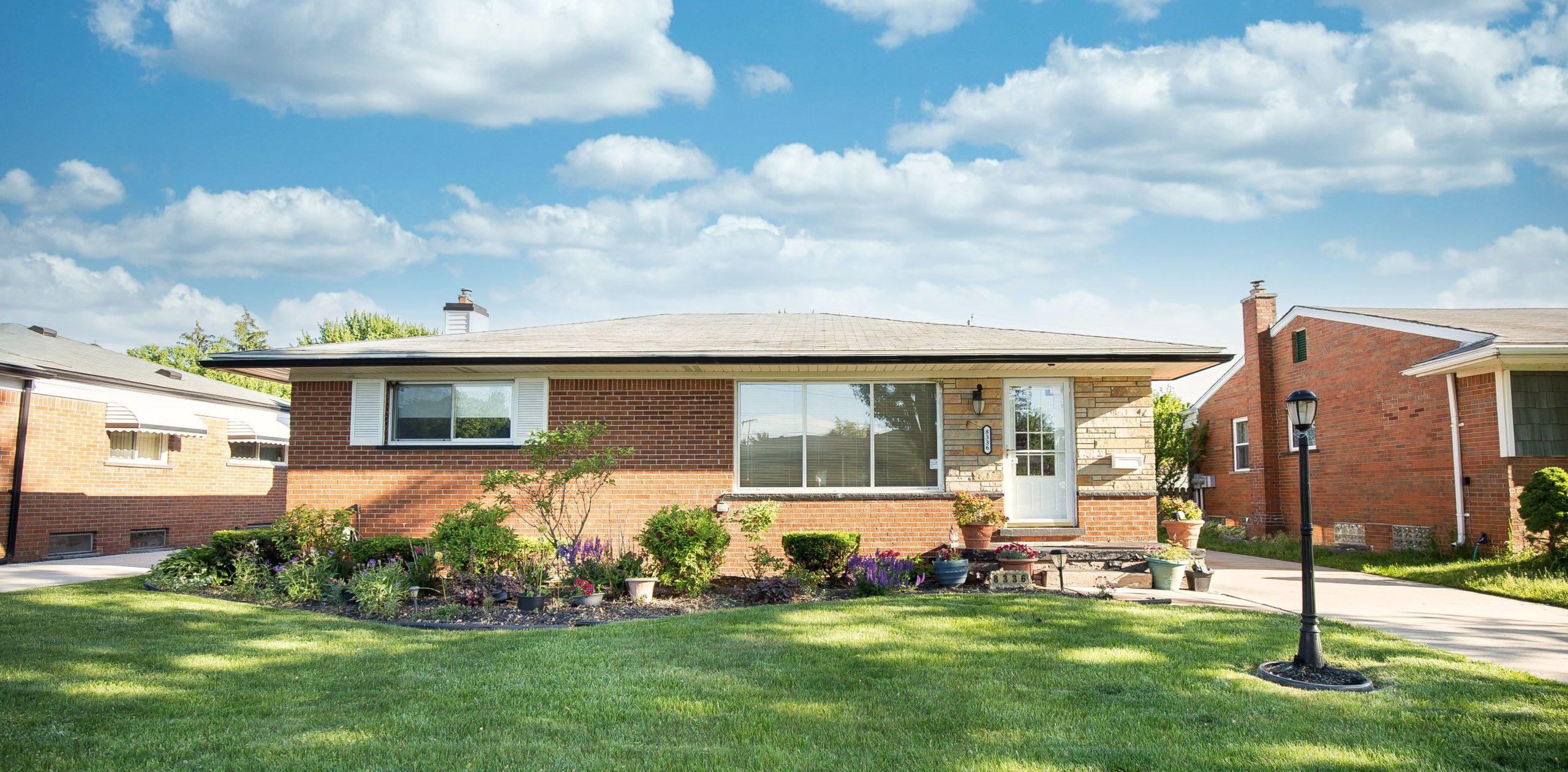Property Sale is Pending! 8336 Linda St in Warren – $175,000