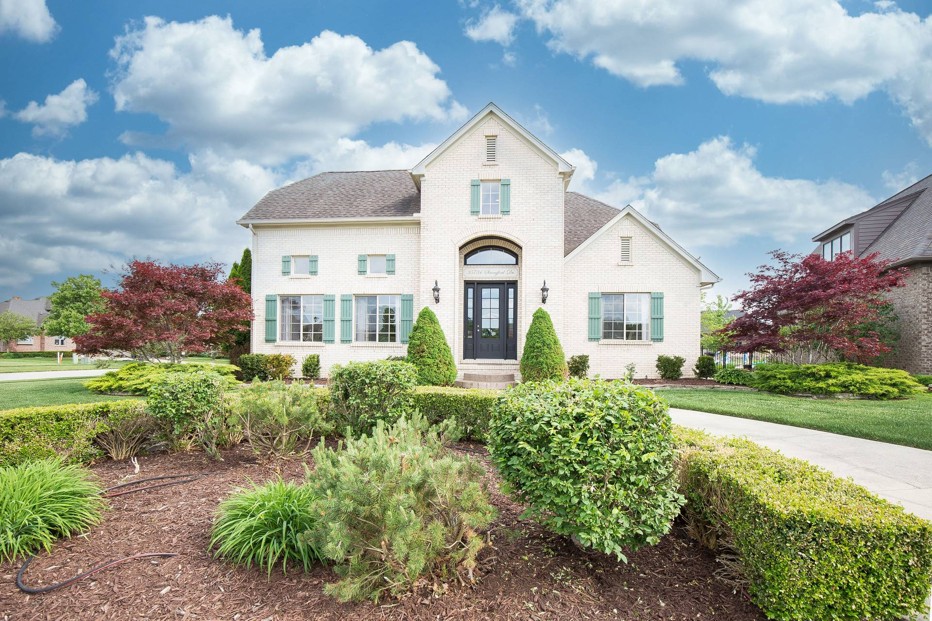 SOLD – 35734 Strongford Dr In New Baltimore