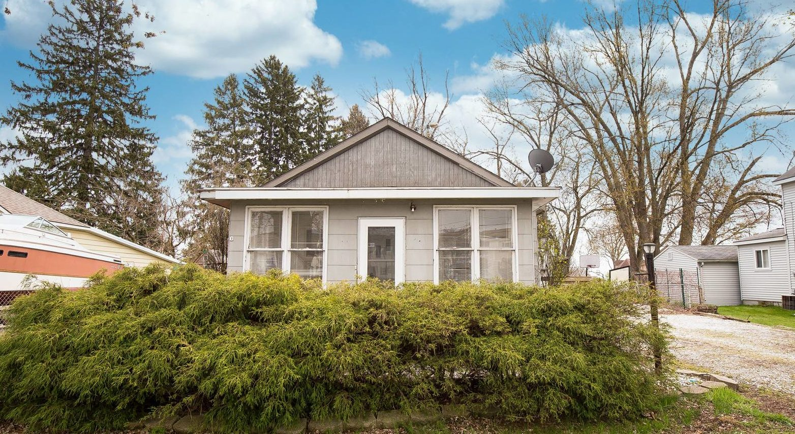 SALE PENDING IN 5 DAYS! – 50760 Jefferson Ave New Baltimore
